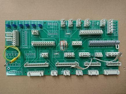Плата клемной коробки DR1 MCS220/ACD1 (крыша кабины) OTIS (STAZ 111v1)