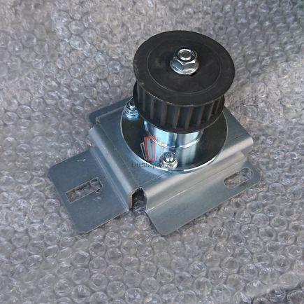 Шкив (натяжной ролик) энкодера привода дверей D2000 LO с кронштейном OTIS