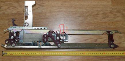 Отводка двери кабины, левая L = 580 mm CDL с замком Fermator