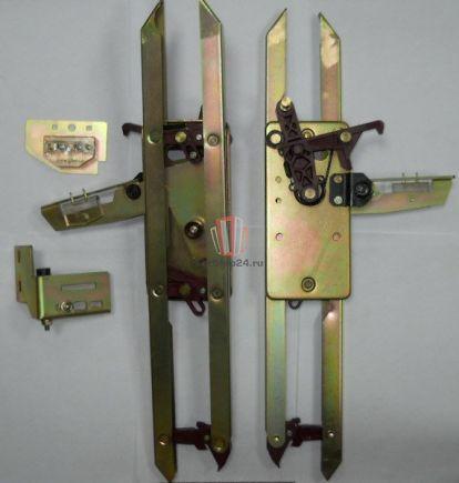 Отводка двери кабины SCH, правая L=543мм с замком CDL тип EN81 Fermator